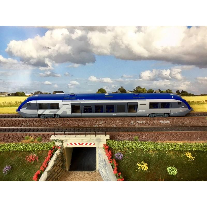 JOUEF HJ REF: 2390 AUTORAIL DIESEL X 73500 TER SNCF