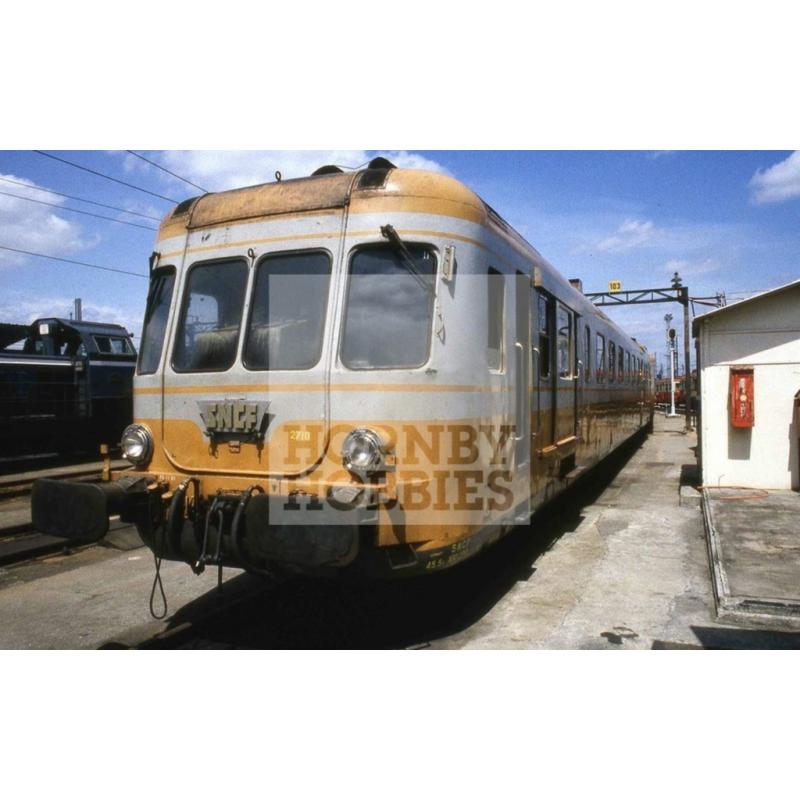 (PRE-COMMANDE) HJ REF: 2388 AUTORAIL 2 ÉLÉMENTS X2700 RGP2 JAUNE ORANGE GRIS SNCF - ANALOGIQUE